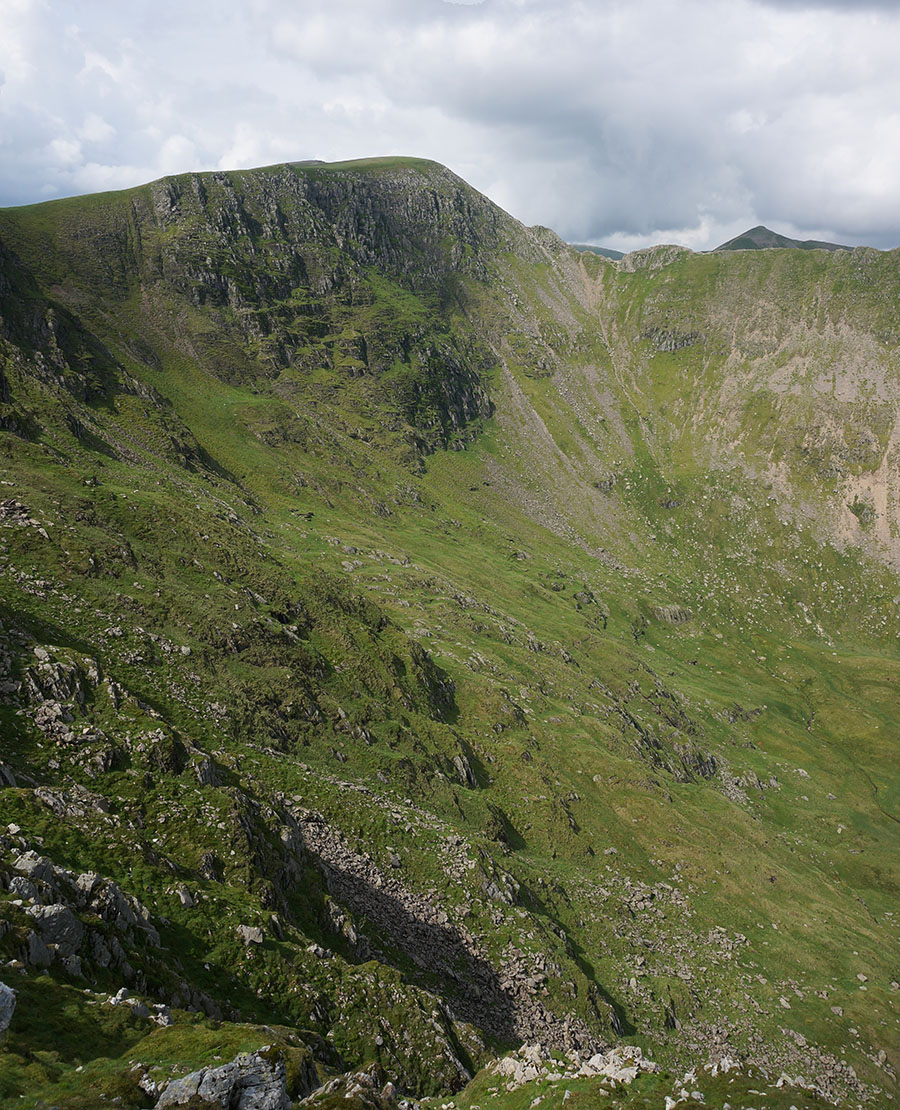 Looking across Nethermost Cove towards Helvellyn and Catstycam