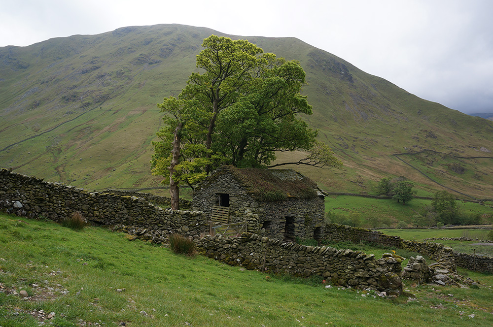 Old barn on the track from Hartsop
