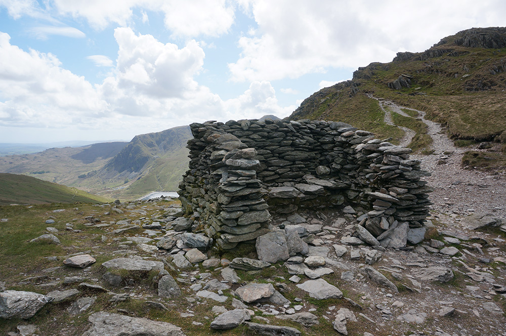 The shelter at the head of Nan Bield Pass