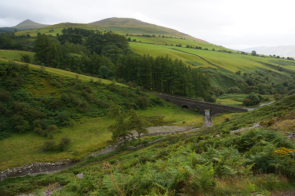 Looking down to Scawgill Bridge