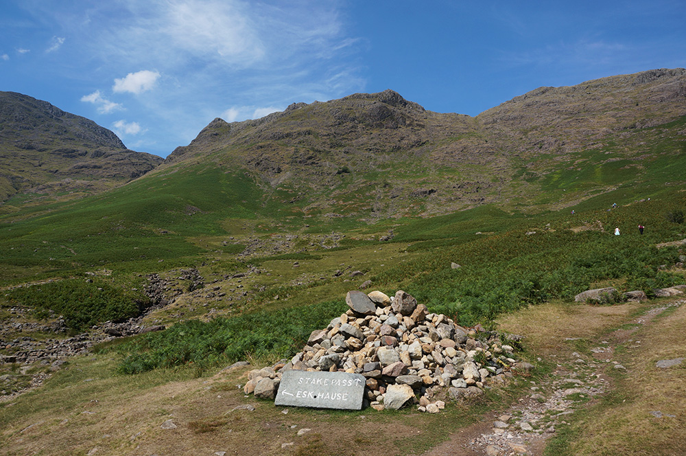 The junction cairn at the head of Mickleden